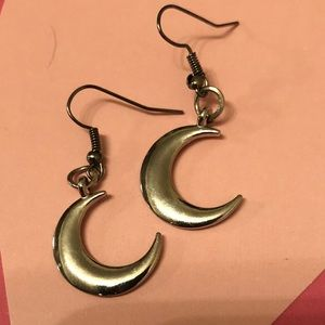 Crescent  Moon Silver earrings cute!